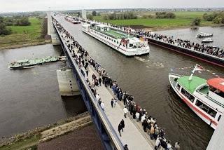 мост для кораблей в германии