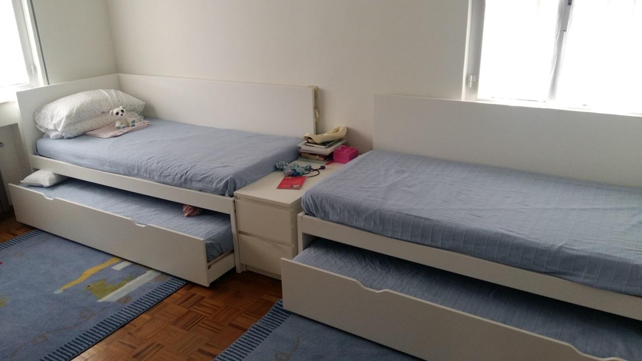 Armarios cama ikea detalle de una cama de ikea con - Ikea armarios habitacion ...