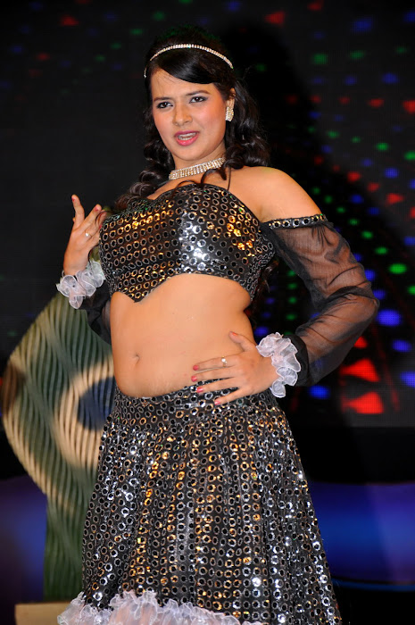 saloni test dance at maa music awards 2012 photo gallery
