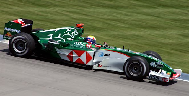 Gambar Mobil Balap F1 Jaguar 01