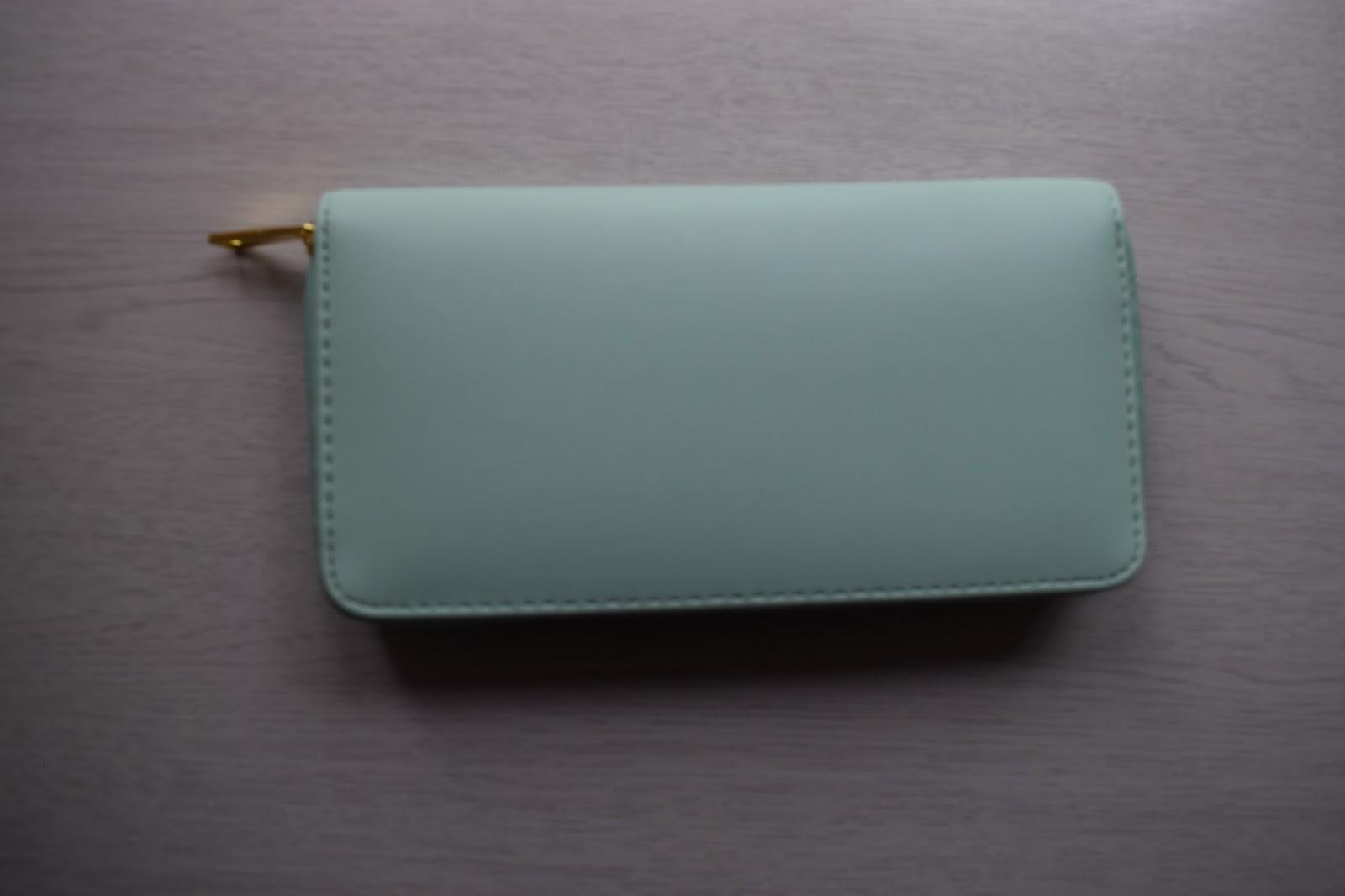 Pastel WEGO wallet