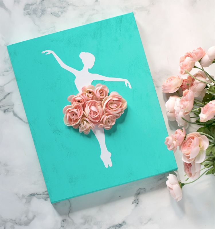 Ballerina themed wall art that's easy to make