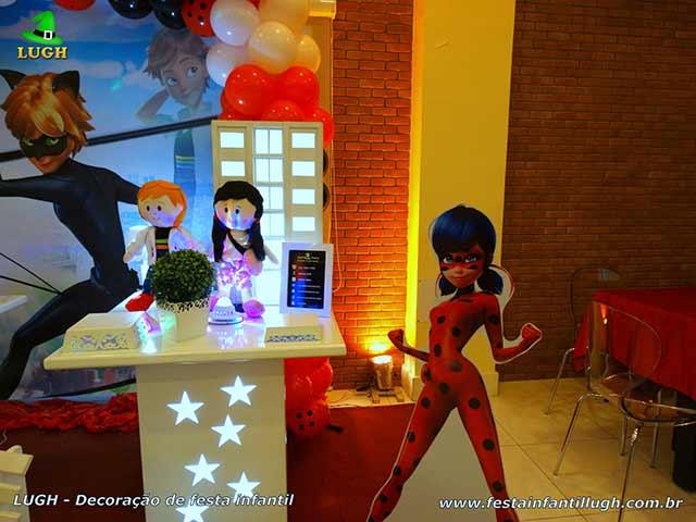 Mesa decorada provençal Ladybug - Cat Noir - Festa Miraculous - Aniversário infantil