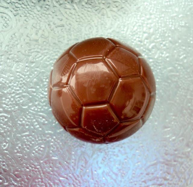 bombones-pistachos-salados-futbol