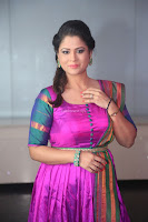 Shilpa Chakravarthy in Purple tight Ethnic Dress ~  Exclusive Celebrities Galleries 075.JPG