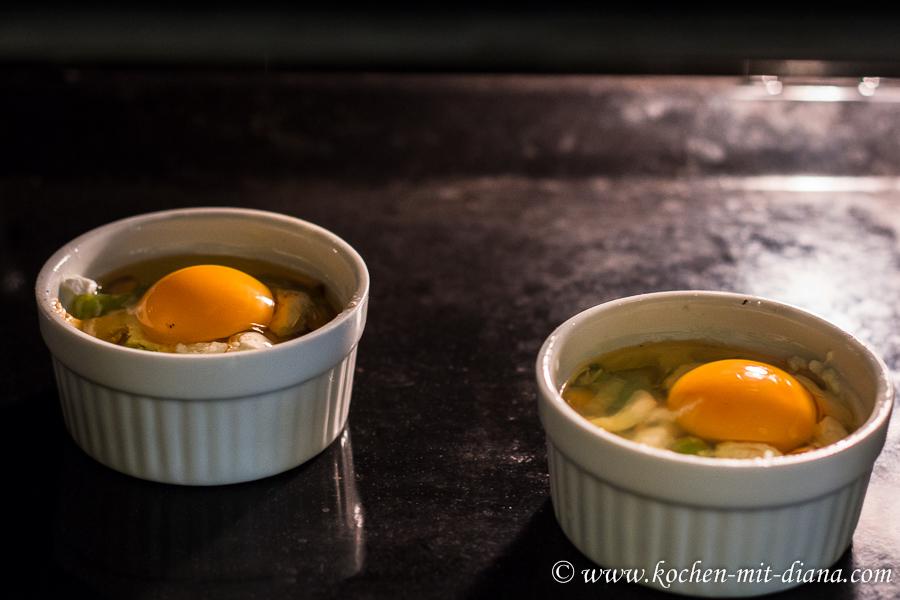 Gebackene Eier mit Pfifferlinge und Lauch vor dem Backen