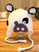 http://not2latetocraft.blogspot.com.es/2015/11/barret-de-vaca-de-ganxet-crochet-cow-hat.html