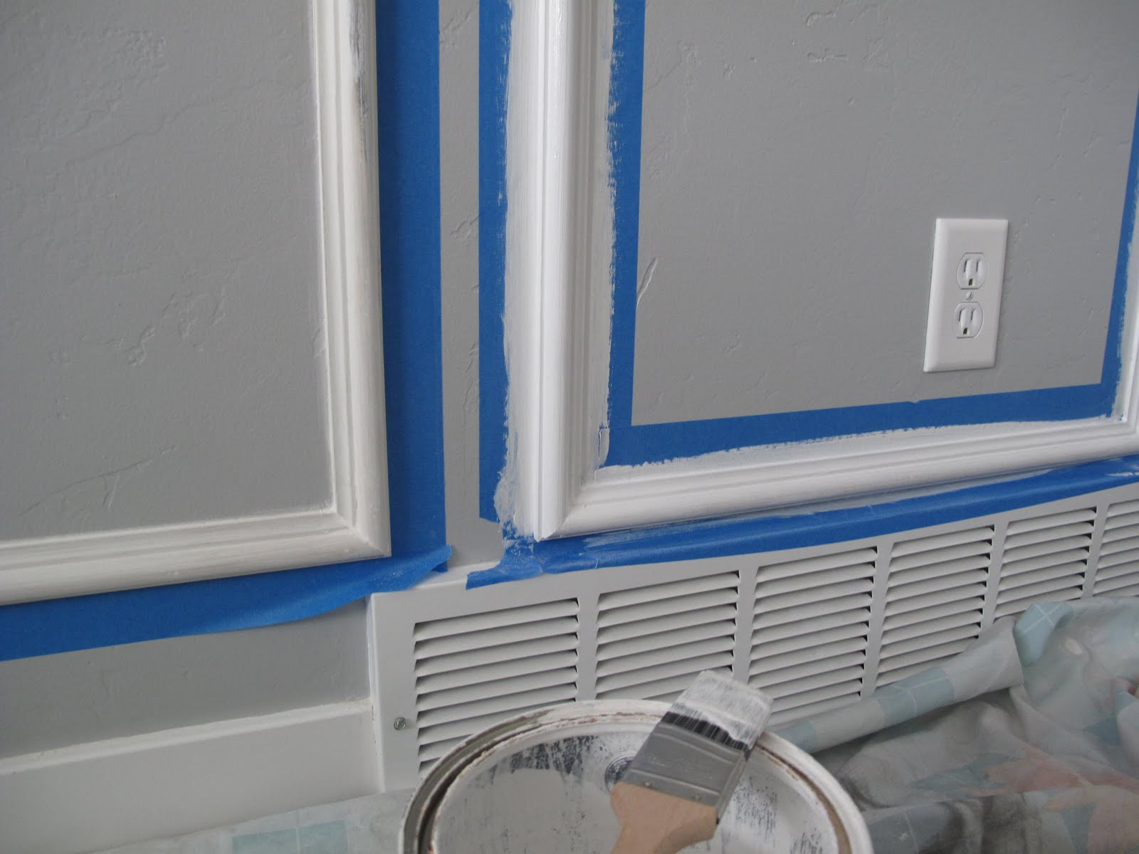 Installing Chair Rail And Picture Frame Molding. install a