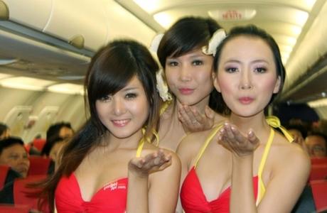 VietJet Pastikan Semua Pramugari Rute Ho Chi Minh City-Jakarta Berpakaian Lengkap