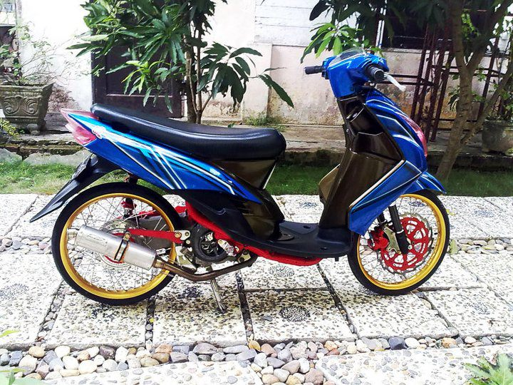 contoh modifikasi motor mio sporty warna biru 6