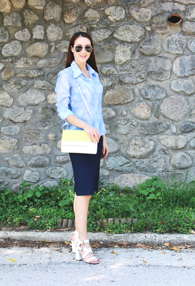 Casual and chic business look.Kezual i sik poslovni outfit.Sasch navy skirt.Light blue sheer blouse.H&M purse and sunglasses.