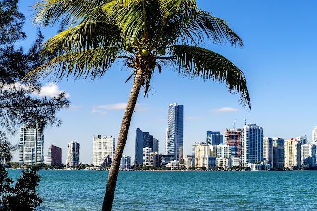 Quantia ideal de dinheiro para levar para Miami