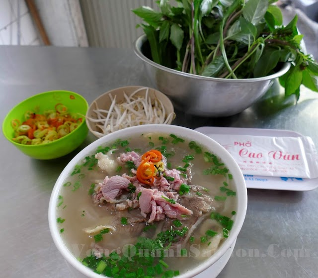 Phở Cao Vân - Tiệm phở lâu đời nhất ở Sài Gòn!