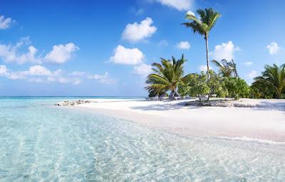 Long bay beach , plage  peu profonde des Bahamas.