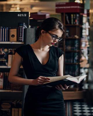 pose leyendo un libro tumblr