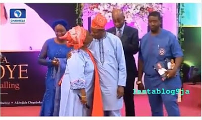 Pastor E.A Adeboye kissed his wife