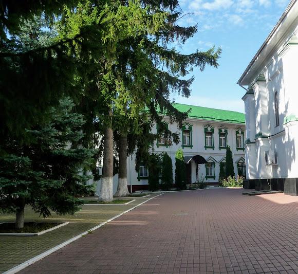 Київ. Китаїв. Свято-Троїцький монастир