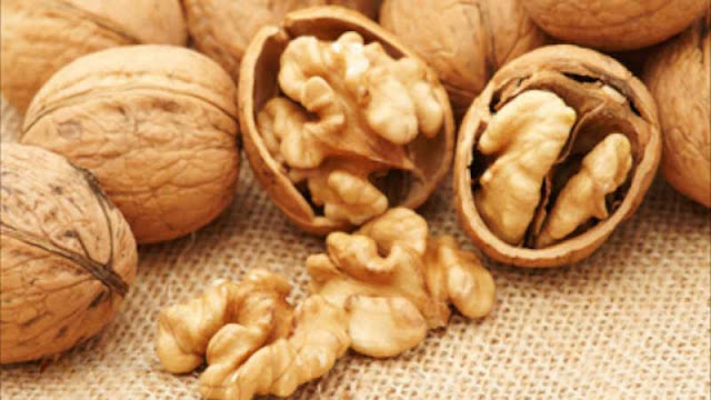 For The Ladies: Eating Walnuts Can Help Halt Breast Cancer