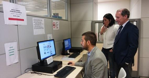 Las oficinas de empleo de la comunidad de madrid abren a for Horario oficinas bankinter madrid