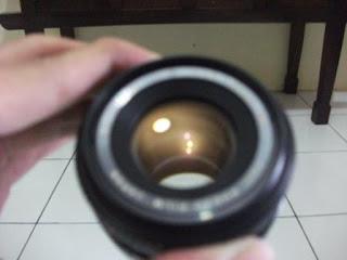 Coating lensa kecoklat-coklatan