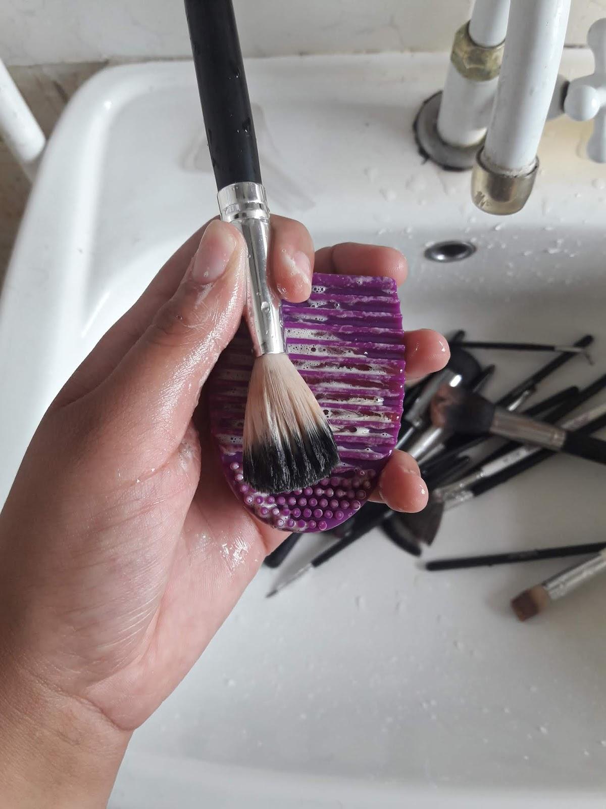 Higienização de pincéis