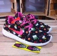 Model Dan Harga Sepatu Hello Kitty Nike Untuk Wanita Remaja
