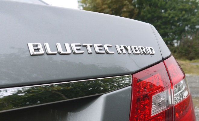 Mercedes-Benz E300 BlueTec Hybrid boot badge