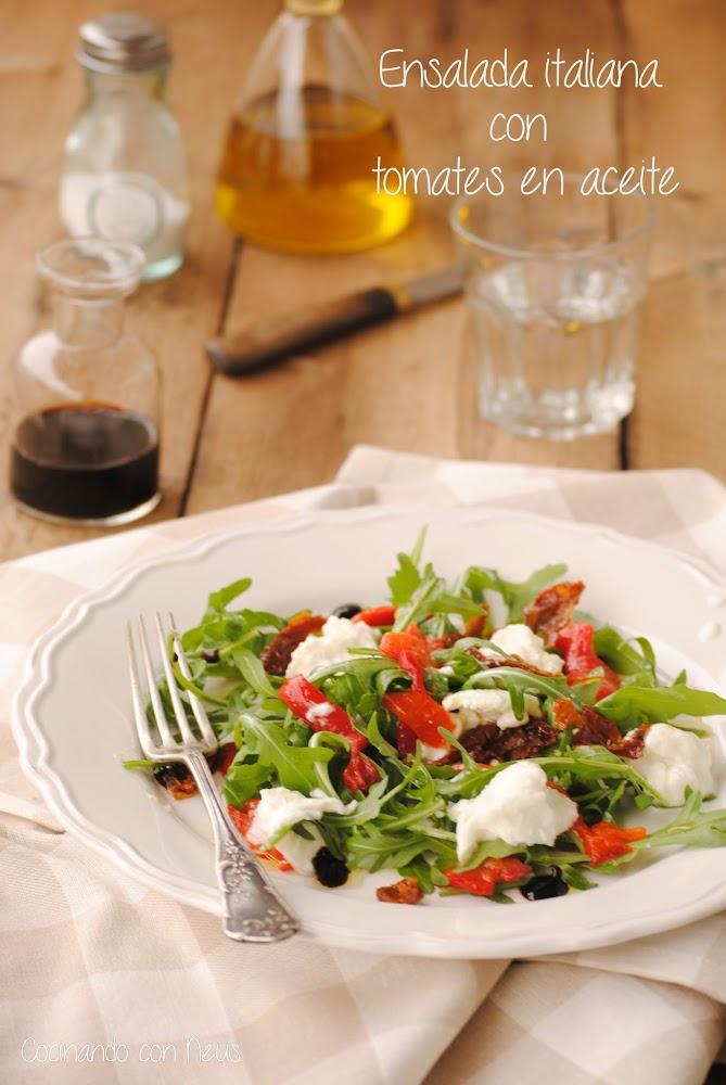 Ensalada italiana con tomates en aceite y mozarrella