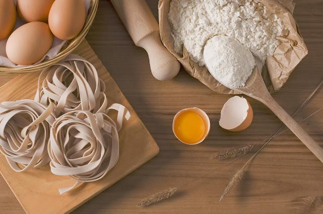 LCHF | dieta nisko-węglowodanowa | węglowodany a tycie | insulina | dieta przy insulinooporności