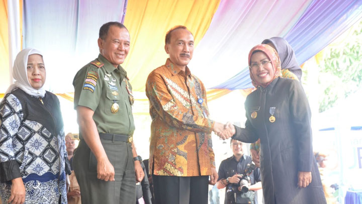 BKKBN Gandeng Kodam III/Siliwangi Dalam Bhakti TNI KB Kes