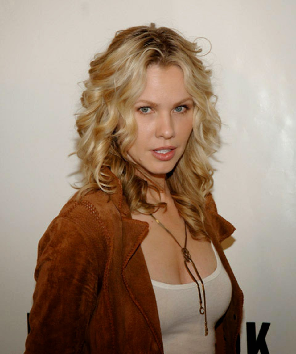 Hollywood Actress Wallpaper: Andrea Roth HD Wallpapers