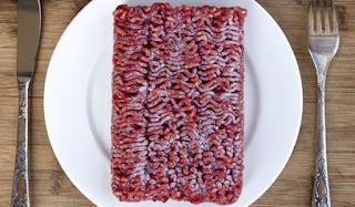 Κρέας: Κίνδυνος για βακτήρια κατά την απόψυξη. Τι να προσέχετε