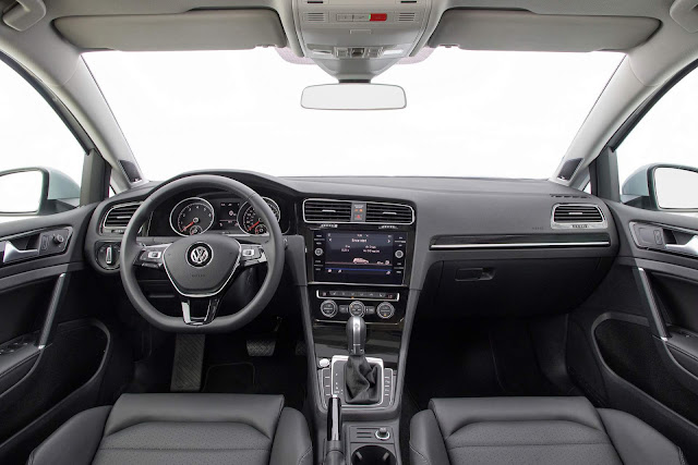 VW Golf TSI 2018 - interior
