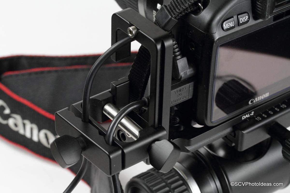 Desmond DAC-1 clamped on DAL-02 Universal L-Bracket w/ cables closeup
