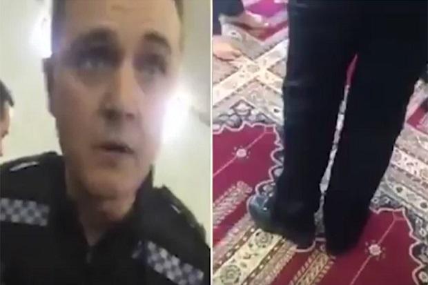 Polisi Masuk Masjid Pakai Sepatu Picu Kemarahan Jamaah