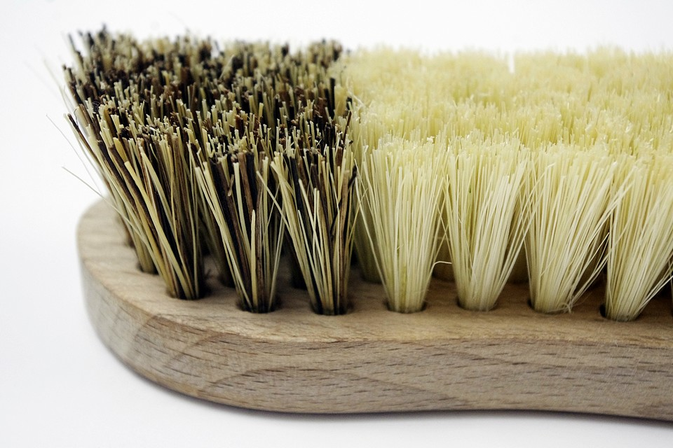 Szczotka z włosiem roślinnym