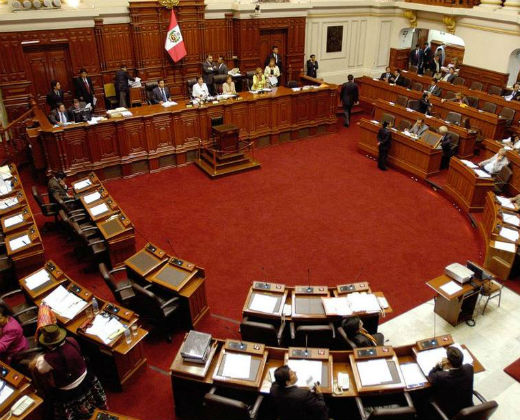 Congreso del Perú denuncia golpe de Estado en Venezuela y pide el retiro del embajador en Caracas