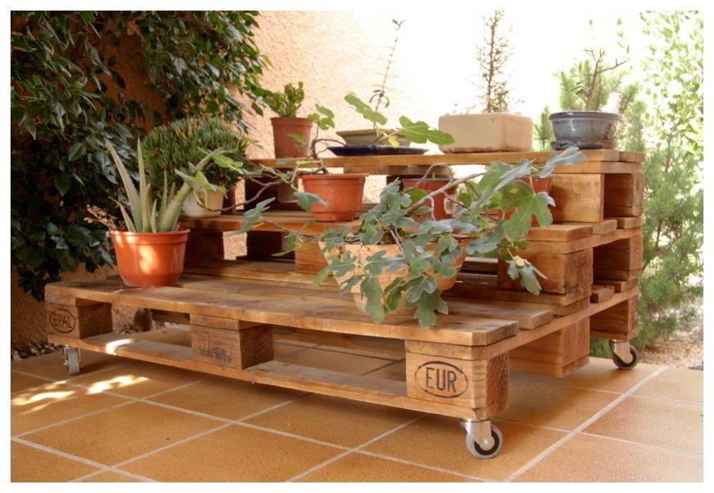 Decoracion palet muebles con palets estantes pallet - Decoracion de jardines con palets ...