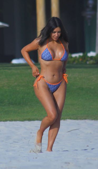 Kim Kardashian in Bikini on the beach in Puna Mita