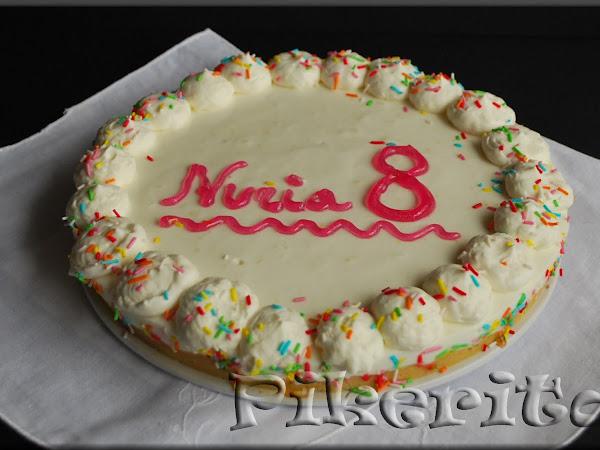 Tarta de yogur griego - Nuria cumple 8 años.