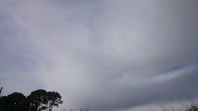 北の空の雪雲