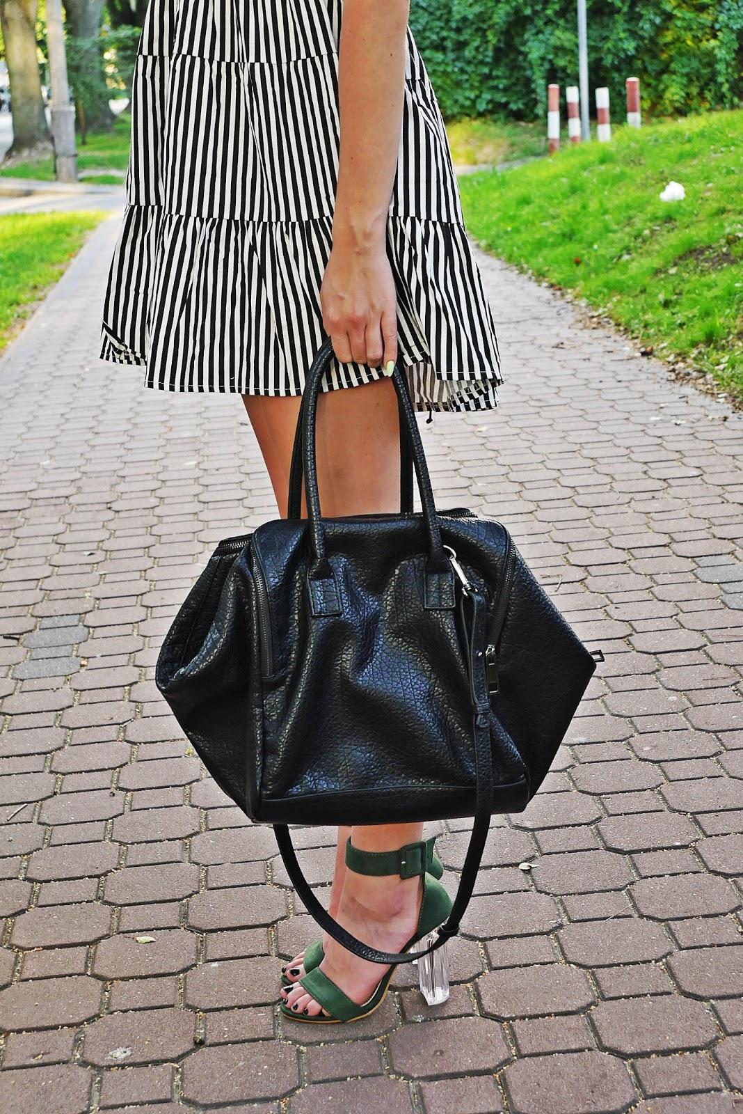 stripes_dress_green_heels_ootd_look_karyn_blog_010817a