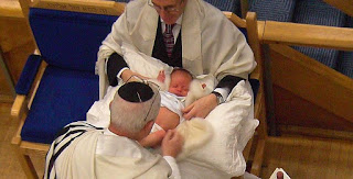Cara Penjagaan Khatan Pada bayi Lelaki