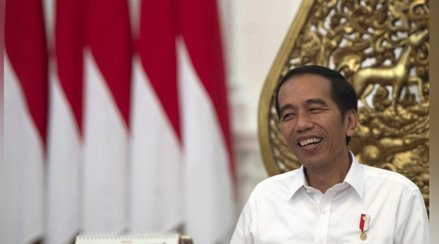 Setelah 12 Tahun Mandek, Jokowi Hanya Butuh 2 Hari untuk Fungsikan Bandara Wiriadinata
