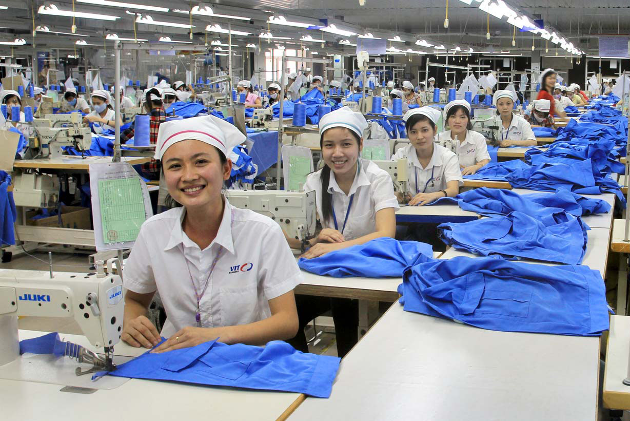 Go to work in the garment export company