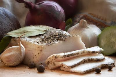 сало свиное, из сала, шпик, из шпика, рецепты из сала, рецепты, мясопродуктыкак выбрать хорошее сало, как выбрать сало с мягкой шкуркой, свинина, мясопродукты, жиры, рецепты, рецепты кулинарные, рецепты для засолки сала, советы по засолке сала, сало для засолки, солёное сало в домашних условиях, копченое сало без копчения, как посолить сало, как выбрать сало с мягкой шкуркой, как определить свежесть сала, сало в домашних условиях, советы по засолке сала, советы по выбору сала, хозяйке на заметку, кулинарные хитрости, сало, кулинария, шпик, еда, про сало, как выбрать хорошее сало, как выбрать сало с мягкой шкуркой, свинина, мясопродукты, жиры, рецепты, рецепты кулинарные, рецепты для засолки сала, советы по засолке сала, сало для засолки, солёное сало в домашних условиях, копченое сало без копчения, как посолить сало, как выбрать сало с мягкой шкуркой, как определить свежесть сала, сало в домашних условиях, советы по засолке сала, советы по выбору сала, хозяйке на заметку, кулинарные хитрости, сало, кулинария, шпик, еда, про сало, сало в соевом соусе, соленое сало рецепт, соленое сало рецепт с фото, какое сало солить, сало в соевом соусе самый вкусный рецепт,сало варенное в соевом соусе с чесноком, сало вареное, как выбрать сало, как солить сало, вкусные рецепты сала, лучшее сало для засолки, что можно приготовить из сала, интересное о сале, лучшие рецепты сала, сало в тузлуке, сало с чесноком, как выбрать сало, как солить сало, как купить сало, , свинина, шкура свиная, как засолить сало, сало соленое, рецепты соленого сала, как засолить вкусное сало, домашние заготовки, кухня украинская, засолка сала, сало со специями, сало с чесноком,