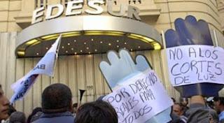 Image result for habitantes de pedro brand protestan por larga tanda de apagones