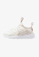 https://www.zalando.be/nike-sportswear-huarache-run-ultra-sneakers-laag-phantommetallic-red-bronzewhite-ni113f00e-a11.html