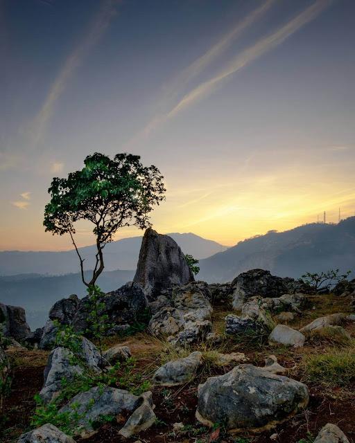 sunrise di stone garden