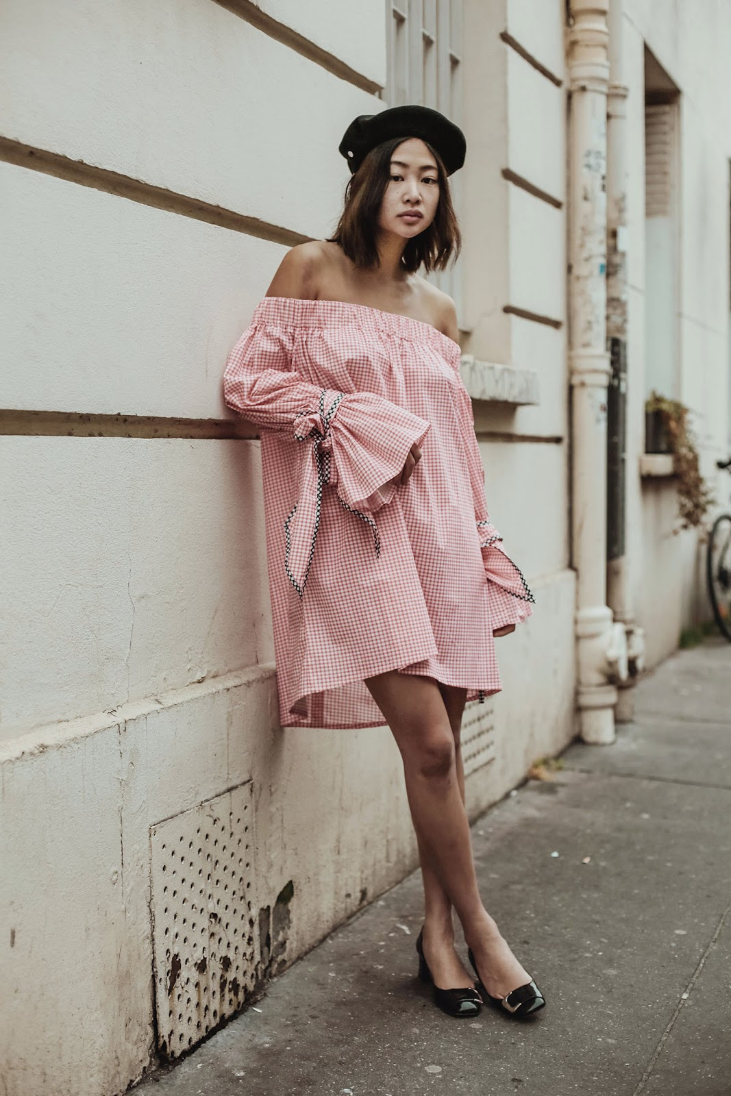 bienvenue-a-paris-Off-the-shoulder linen dress in pink gingham